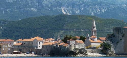 Власти Черногории одобрили до 50 000 запросов на легализацию недвижимости