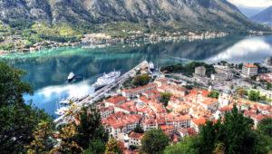 Уютный таунхаус спарковкой, террасой ивидом наморе, Добра Вода, Черногория
